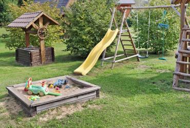 Fabriquer une aire de jeu dans son jardin : un jeu d'enfant !