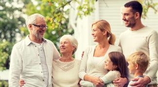 Acheter un bien immobilier en famille : 3 options sur le plan juridique