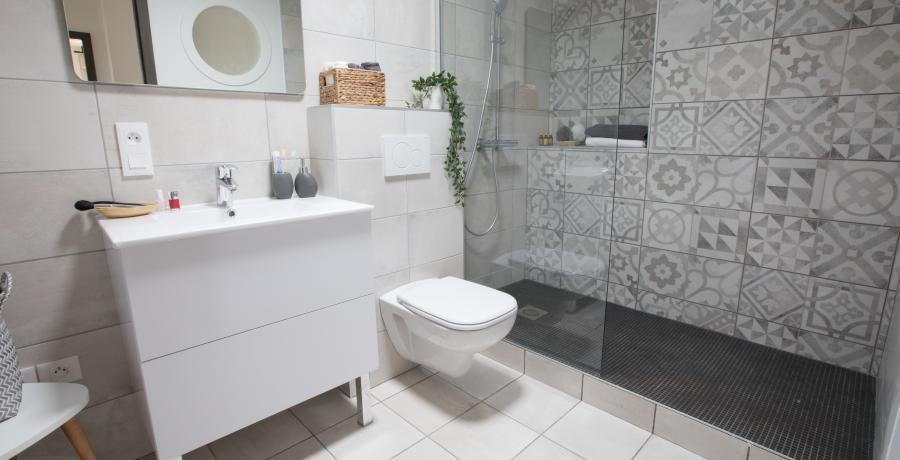 amenagement-salle-de-bains-design-idees-conseils-toilette