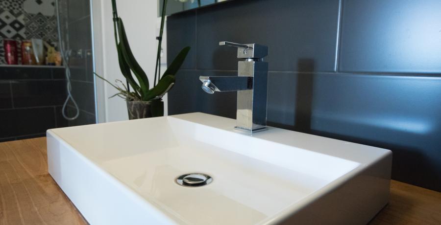 appartement-cle-en-main-logement-travaux-lavabo