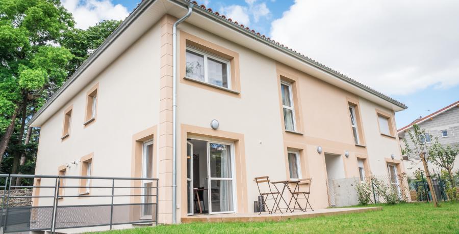 appartement duplex témoin à Saint-Andéol-le-Château - architecture facade