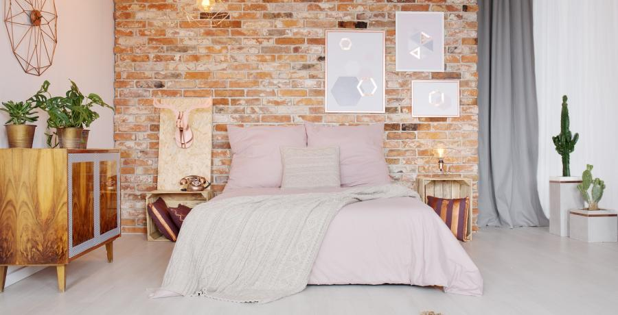 amenager-chambre-13m2-style-cocooning-astuces-lit-rose