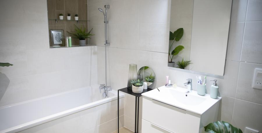 programme immobilier neuf à boersch : les carrés arch'y duplex-jardin salle de bains