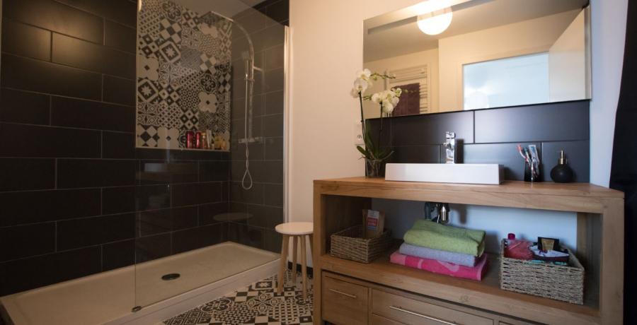 programme immobilier neuf à delle : les carrés des écoliers, duplex-jardin salle de bains