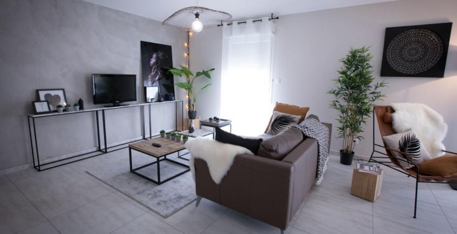 programme immobilier neuf à saint-martin-bellevue : les carrés du levant, duplex-jardin salon