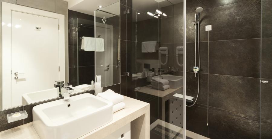 programme immobilier neuf à Les Auxons : les carrés Du'O, duplex-jardin salle de bains