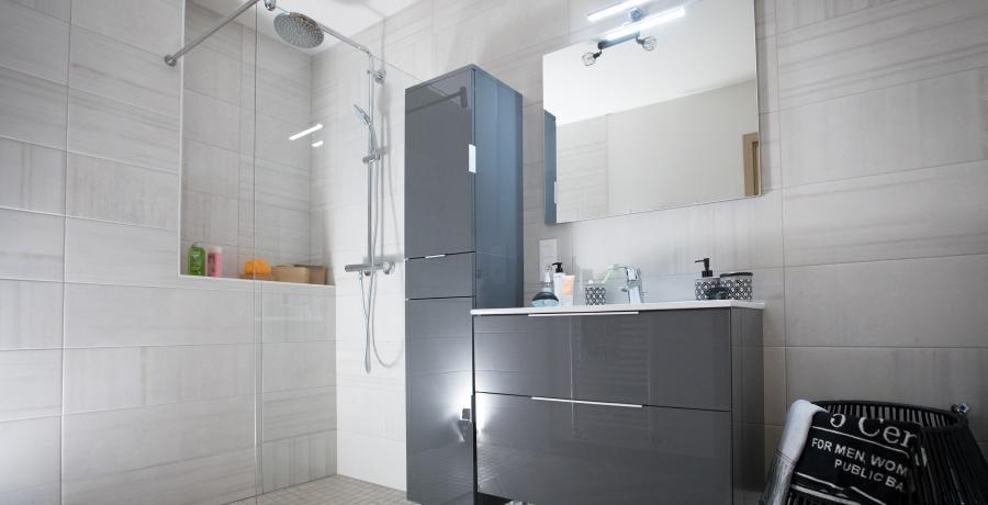 programme immobilier neuf à wasselonne : les carrés origami, duplex-jardin salle de bains
