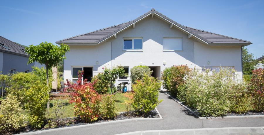 cacher-terrasse-voisins-idees-amenagement-originale-duplex-jardin-exterieur