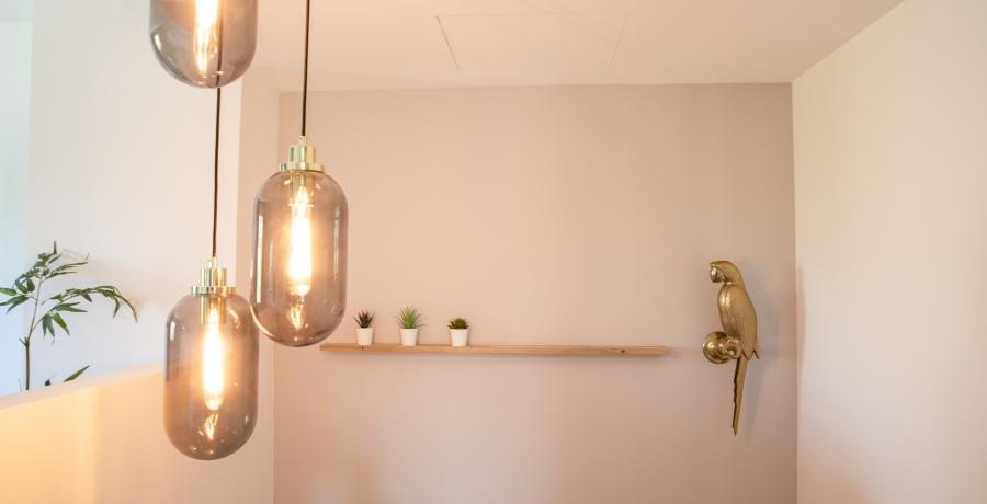 interieur-lumineux-conseils-appartement-duplex-luminaires-escaliers