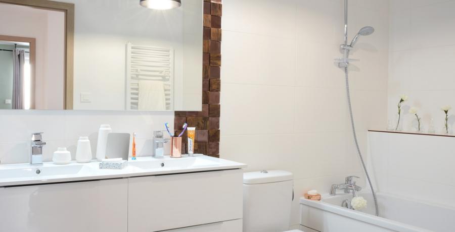 programme immobilier neuf à franois : les carrés constellation, duplex-jardin salle de bain