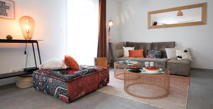 programme immobilier neuf à veigy-foncenex : les carrés de foncenex duplex jardin salon