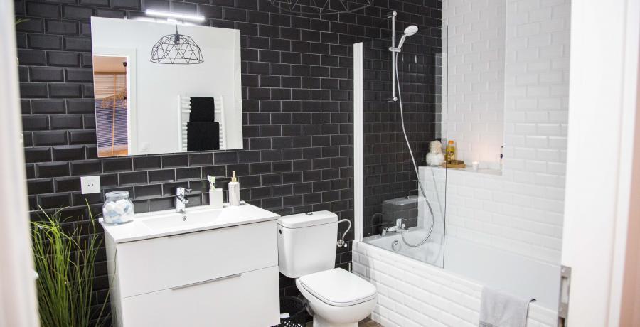 programme immobilier neuf à soultz-haut-rhin : les carrés de soie, duplex-jardin salle de bains
