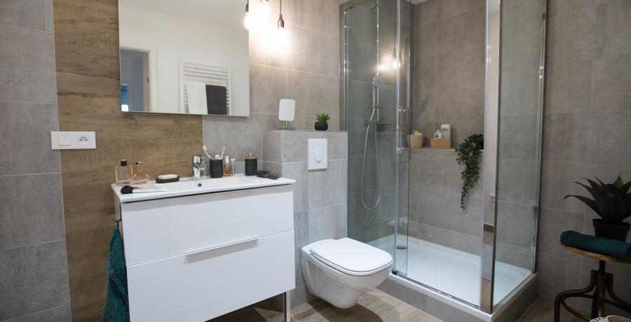 programme immobilier neuf à gries: les carrés des cinq tertres, duplex-jardin salle de bain
