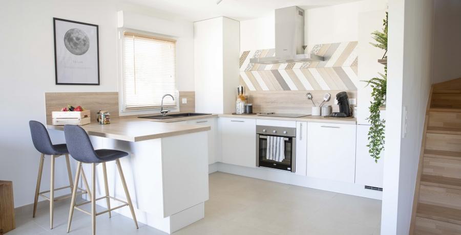 programme immobilier neuf à Geneuille : les carrés d'inès duplex-jardin cuisine