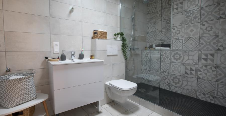 programme immobilier neuf à Albertville : les carrés Alpins duplex-jardin salle de bain
