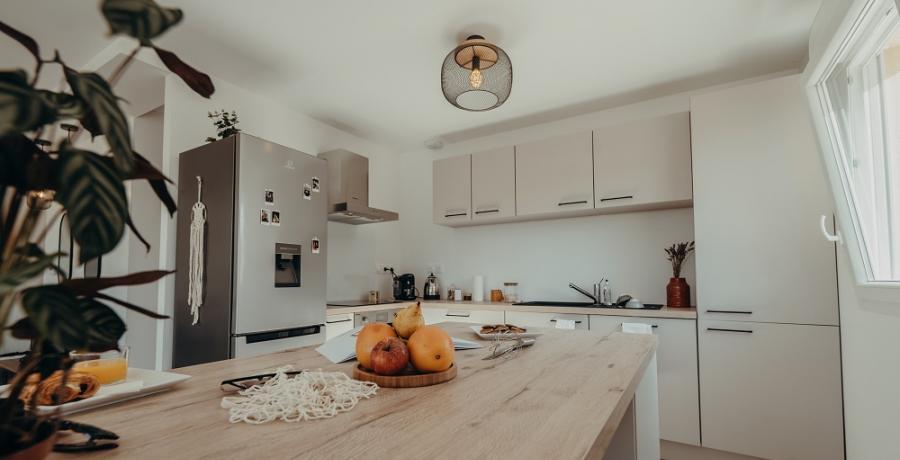 programme immobilier neuf à Eaunes : les carrés de la Plaine, duplex-jardin cuisine