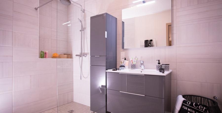 programme immobilier neuf à mulhouse dornach : les carrés des violettes, duplex-jardin chambre salle de bain