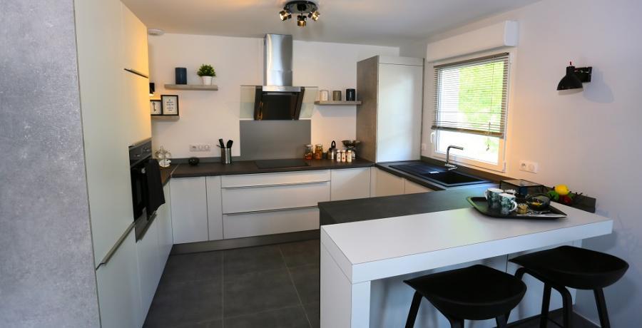programme immobilier neuf à amancy : les carrés rubisko, duplex-jardin cuisine