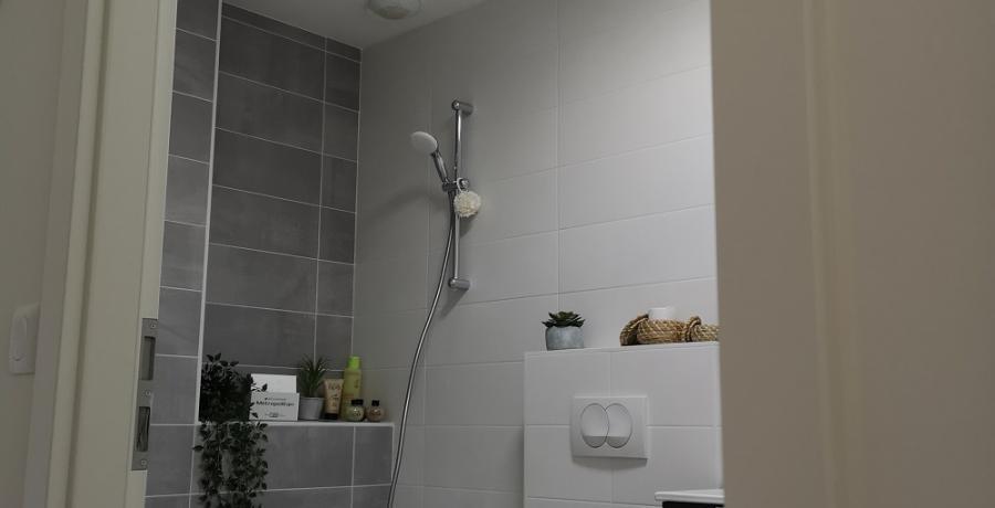 programme immobilier neuf à  Saint-Jean-de-Sixt : les carrés Bienheureux duplex-jardin salle de bain