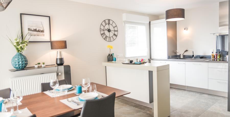 Programme immobilier neuf à Bourg-en-Bresse : les Carrés Marguerite, duplex-jardin cuisine salle à manger