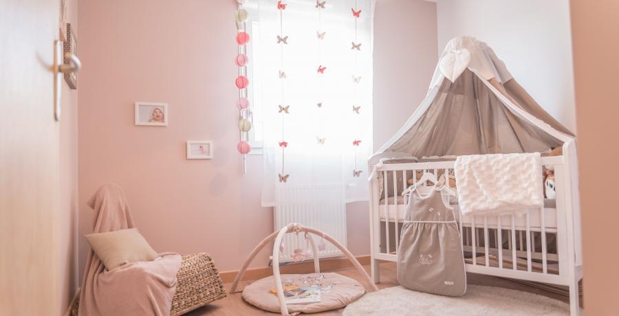 Programme immobilier neuf à Saint-Bonnet-de-Mure : les Carrés du Bois, duplex-jardin chambre enfant